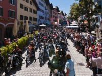 """Ca. 1000 """"Harleyisten"""" rollen durch Kitzbühel; Foto: (c)2011 multi visual ART, Martin Raffeiner"""