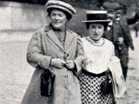 v. l. Klara Zetkin, Rosa Luxemburg Emanzipation der Frau über den Sozialismus; Bild: BA