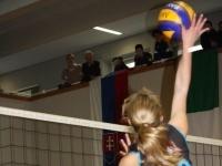 Spielerin des veranstalteten Verein TI-Meraner-Volley im Angriff